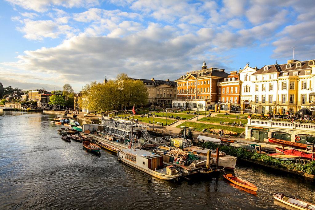 Thames, Riverside, Richmond, London, England.
